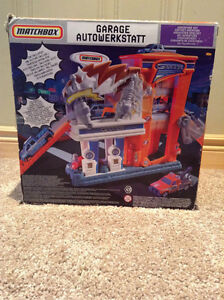 Matchbox garage workstation toy with Matchbox car -unopened! Kitchener / Waterloo Kitchener Area image 2