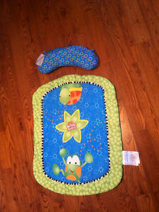 Prop & Play Mat Bright Starts Tapis eveil avec coussin West Island Greater Montréal image 1