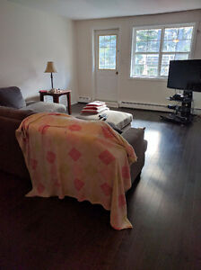Cat friendly 3 bedroom close to all amenities