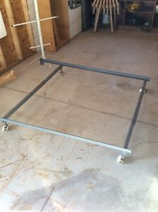 Metal bed frame - SOLD PPU