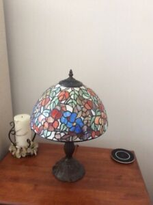 Two Tiffany lamps ; Deux lampes marque Tiffany