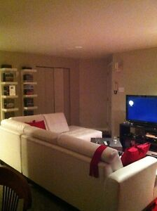 Sectionnal / Sofa cuir blanc / White Leather couch