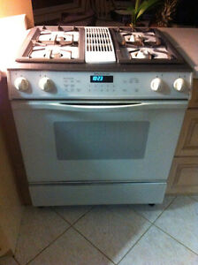 Jenn-Air Gas Range