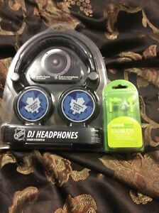 Ear phones and buds Cornwall Ontario image 1