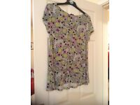 Beautiful women's top - size 14 BNWOT never worn in super condition