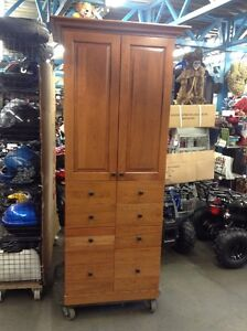 GREAT PANTRY CAB SOLID WOOD DOORS TOP QUALITY