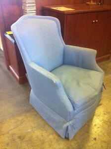 FAUTEUILS  -  ARM CHAIRS