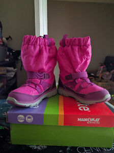 Size 1 Girls Stride Rite Winter Boots, New in Box London Ontario image 2