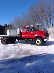 2000 FORD F650 FLATBED VERY LOW MILEAGE