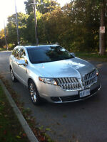 2011 Lincoln MKT delux SUV, Crossover