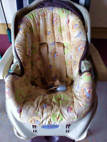Winnie the Pooh Graco infant car seat with base