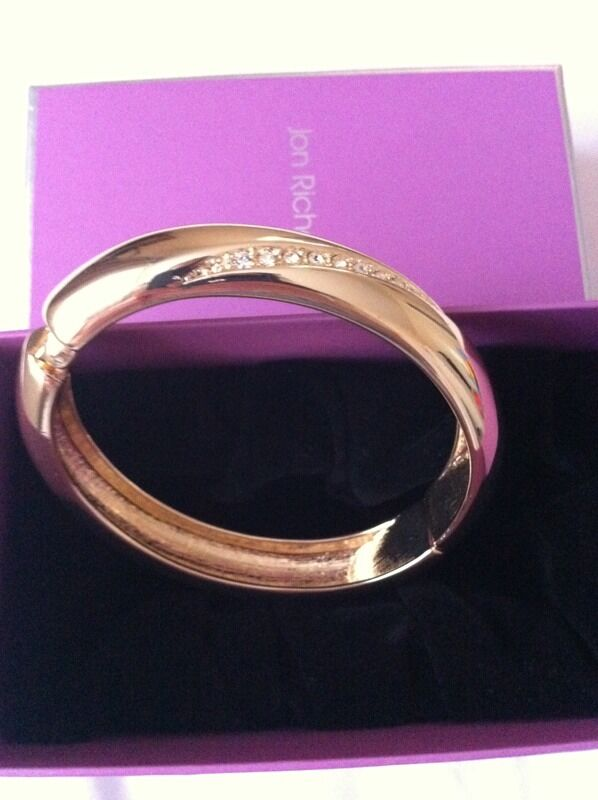 Gold tone and diamanté bangle - only £ 2 , RRP 30