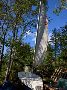 REDUCED Bombardier Invitation 16' sailboat, make an offer!