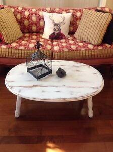 Small farm house style coffee table CHECK OUT MY OTHER ADS Belleville Belleville Area image 1