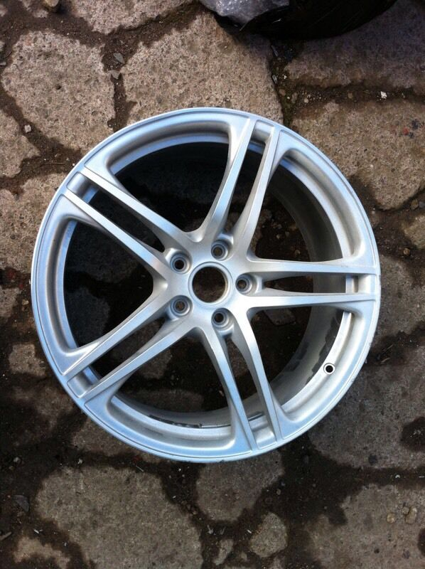 Audi R8 v8 v10 genuine 19 inch alloy wheel for sale