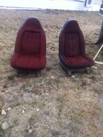 bucket swivel seat