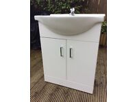 Price reduced White gloss 620mm Vanity Unit rarely used