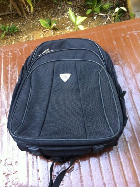 Real polo 18 inches travel haversack. Dimension 46 x 35 x14cm. Used only once