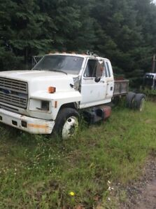 1991 Ford F800
