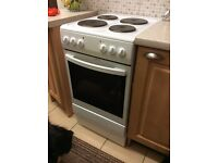 Essentials CFSEWH14: 50cm wide Electric cooker with a Solid plate hob.