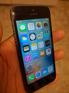 Are you looking for a used cell phone in very good condition? Cornwall Ontario image 1