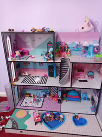 LOL doll house and dolls