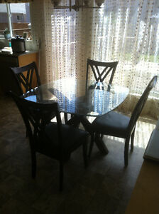 Glass top dinning table set south pointe