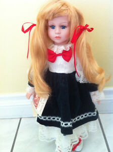 POUPEE PORCELAINE ( COLLECTION DYNASTY )