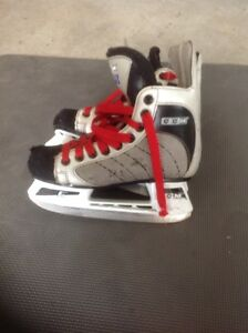 "CCM ""48's"" youth skates size 2"
