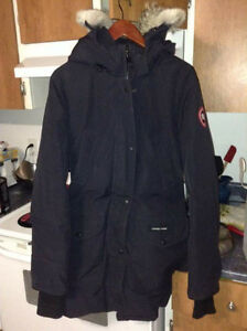 woman's  authentic canada goose jacket