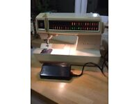 Vintage Futura 2001 Singer Sewing Machine for Repair