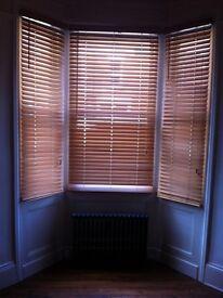 Light oak Venetian blinds