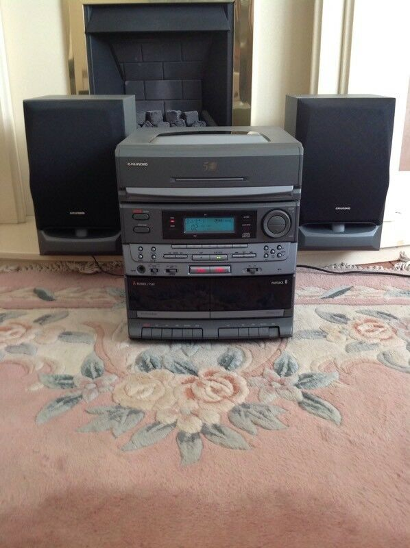 Grundig hi-fi ( German made ) 5 CD player and hi-fi cabinet