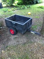 Rubbermaid dump trailer for lawn tractor