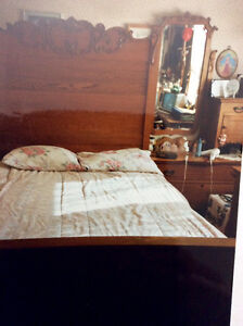 REDUCED ANTIQUED OAK DOUBLE BED