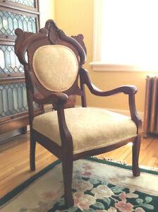 fauteuil antique 1900 acheter et vendre dans qu bec petites annonces class es de kijiji. Black Bedroom Furniture Sets. Home Design Ideas