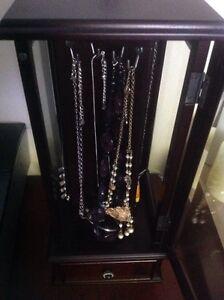 Jewellery box with costume jewellery Kitchener / Waterloo Kitchener Area image 5