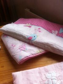 Baby bedding cot and bumpers