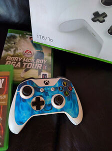 Xbox one, ghost edition with 5 games London Ontario image 3