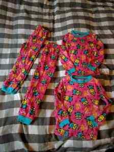 Brand New two pairs of identical girls 4t minion pjs Gatineau Ottawa / Gatineau Area image 1