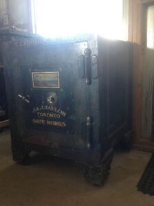 Antique Floor Safe Kitchener / Waterloo Kitchener Area image 1