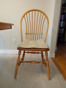 Real Maple Hardwood Table and Chairs for Sale West Island Greater Montréal image 4