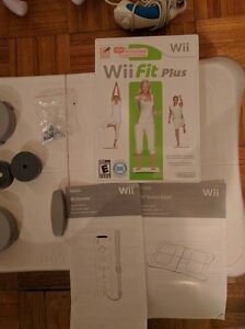 Nintendo Wii, with multiple controllers, Wii fit plus, 22 games Kingston Kingston Area image 4