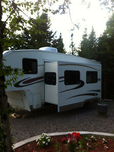 For Sale fifth wheel trailer