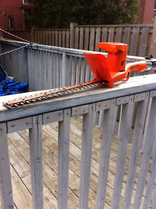 Black and Decker 16inch Hedge Trimmer