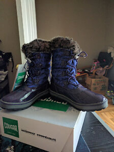 Girls Size 6 (Youth) Cougar Waterproof Winter Boots, New in Box London Ontario image 2