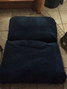 Fold up pillow chair Cornwall Ontario image 4