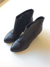 Pull&Bear black ankle boots. Size 5.