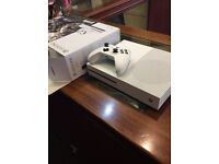 Xbox one s in box 1Tb