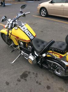 Harley bonne condition Low boy ST réduit pour l hiver $6,500